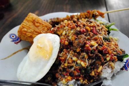 Tempat Makan Di Jogja Yang Enak Dan Murah sego pecel