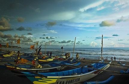 Pantai Depok, Menawan Dengan Hamparan Pasir Hitam Keren