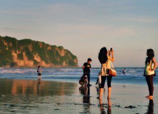 Pantai Parangtritis, Menggoda Wisatawan Untuk Hadir