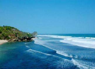 Pantai Siung, Istimewa Dengan Biru Lautnya