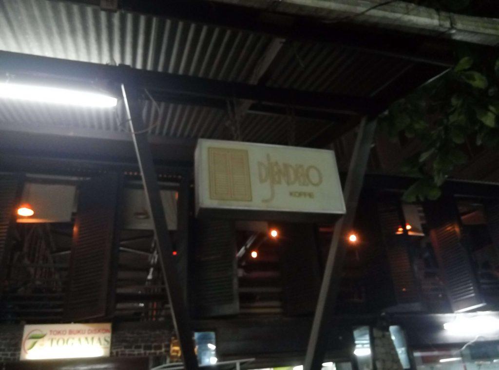Djendelo Cafe, Tempat Nongkrong di Jogja Yang Asyik