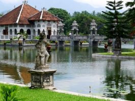Taman Ujung Soekasada, Istana Taman Air Yang Mempesona