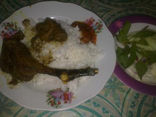 Jajal Kuliner Surabaya Penyetan Bebek Goreng Ibu Nur