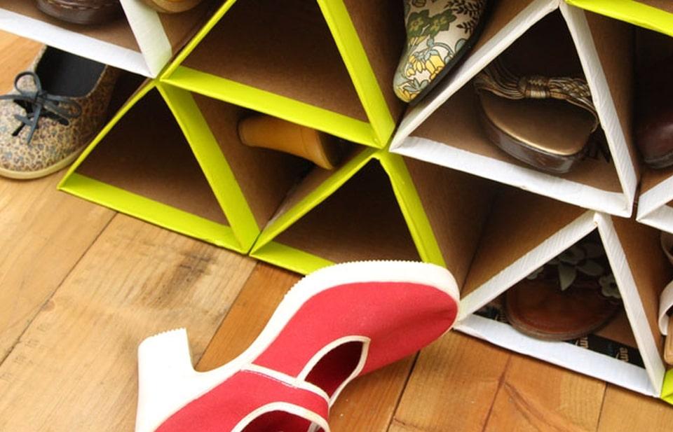 Berkreasi Buat Rak Sepatumu Sendiri Dari Kardus Bekas