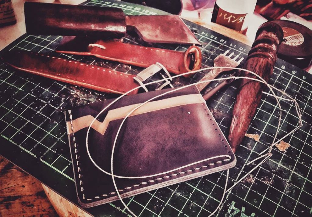 Jual Kerajinan Tangan Dari Kulit di Surabaya - Best Friend's Custom Leather ArtWork