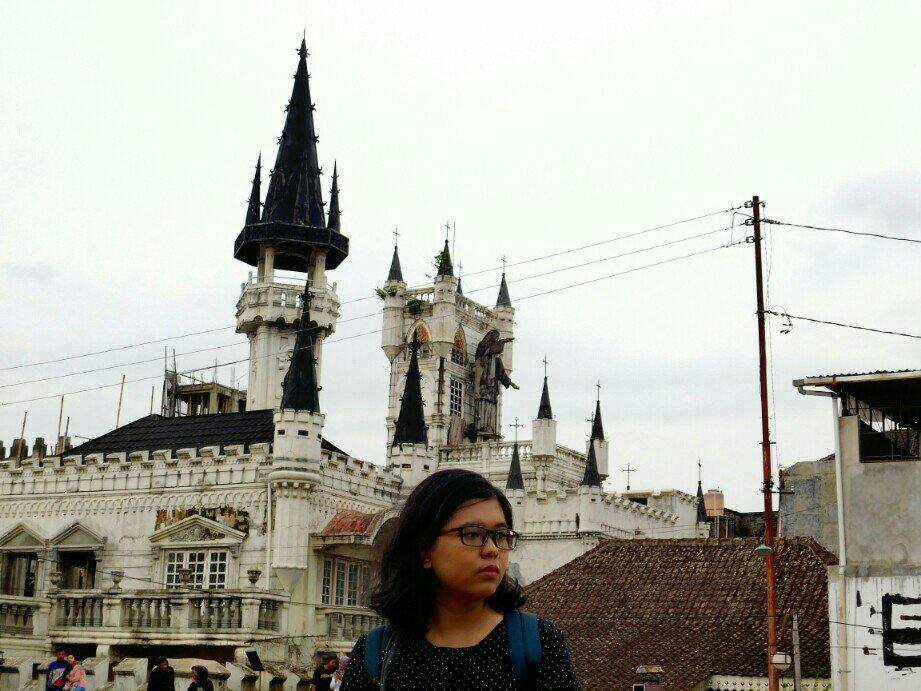 Gereja Gothic Sayidan, Mencuat Berkat Runtuhnya Ruko Sebelah