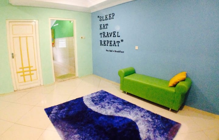 HOZ Bed and Breakfast – Hostel Mantrijeron; Liburan bikin Hemat