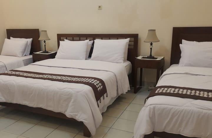 nDalem Panembahan Guest House Yogyakarta: Penginapan Tengah Kota