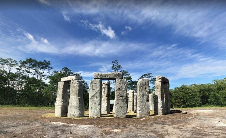 Stonehenge Merapi Cangkringan: Nostalgia Mulai Dari Jaman Batu