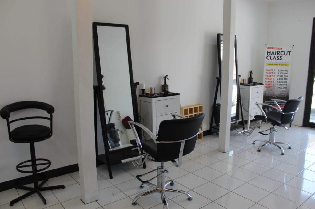 Kursus Potong Rambut Jogja Fringe Barberschool Langsung Dengan Ahlinya